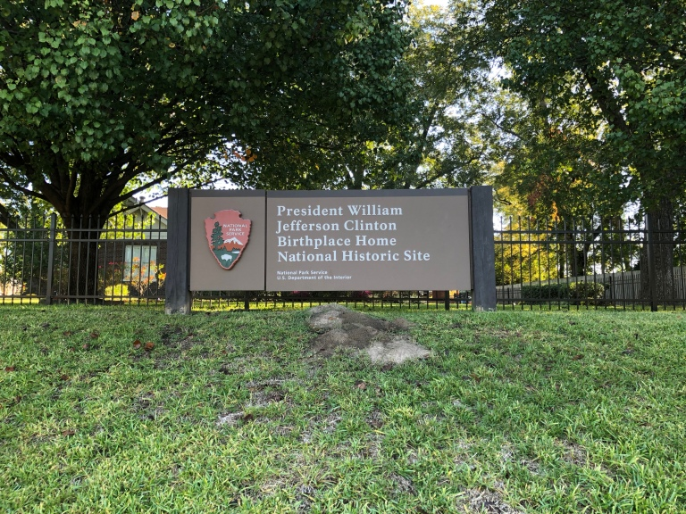 Park entrance sign for President William Jefferson Clinton Birthplace Home National Historic Site